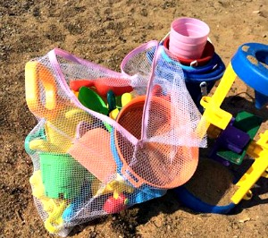 organize beach toys tips tricks mesh laundry bag